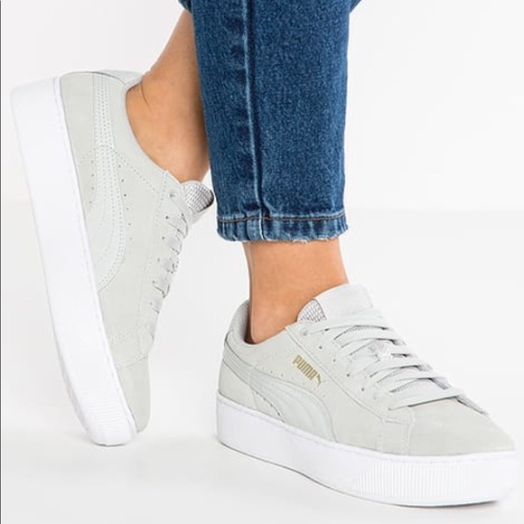 d008f3fb988b PUMA Vicky platform sneakers. M 5a5c16d5b7f72b94324ffe2a